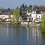 Habitations au bord de la Creuse à Argenton-sur-Creuse